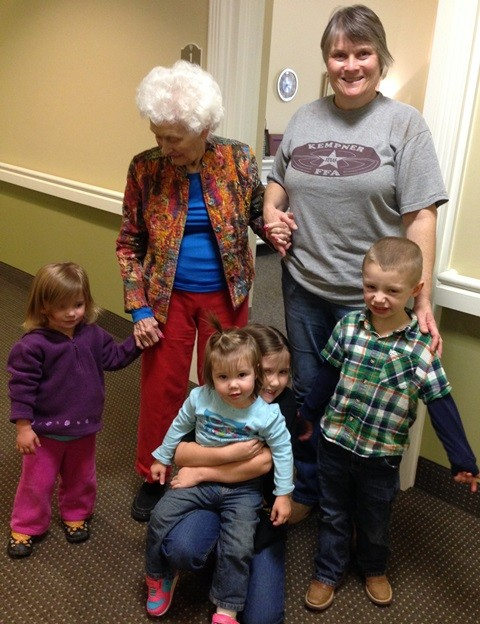 From back left, clockwise-2 year old Lexi, Granny Nanny, me, 4 year old Riley, 1 year Kendyll and 6 year old Jordyn.
